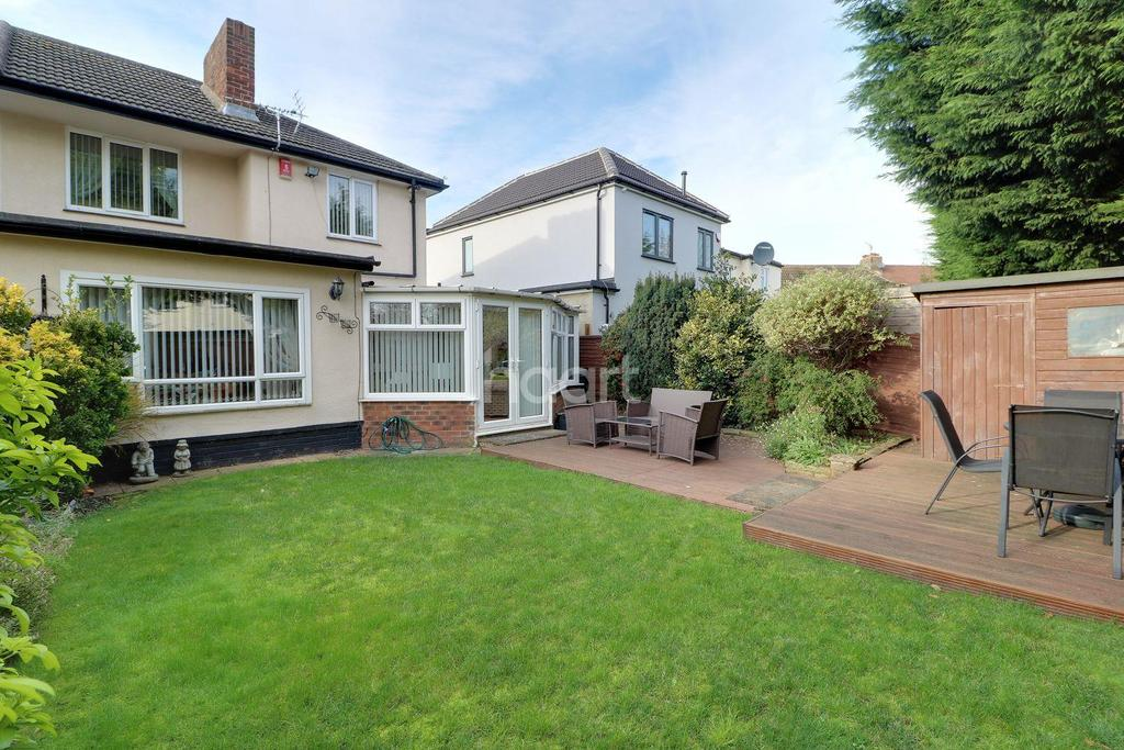 3 Bedrooms Semi Detached House for sale in Robinson Avenue, Goffs Oak, EN7