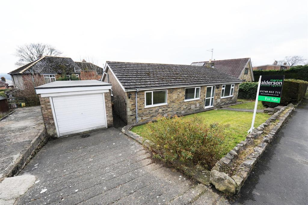3 Bedrooms Detached Bungalow for sale in Maple Road, RICHMOND