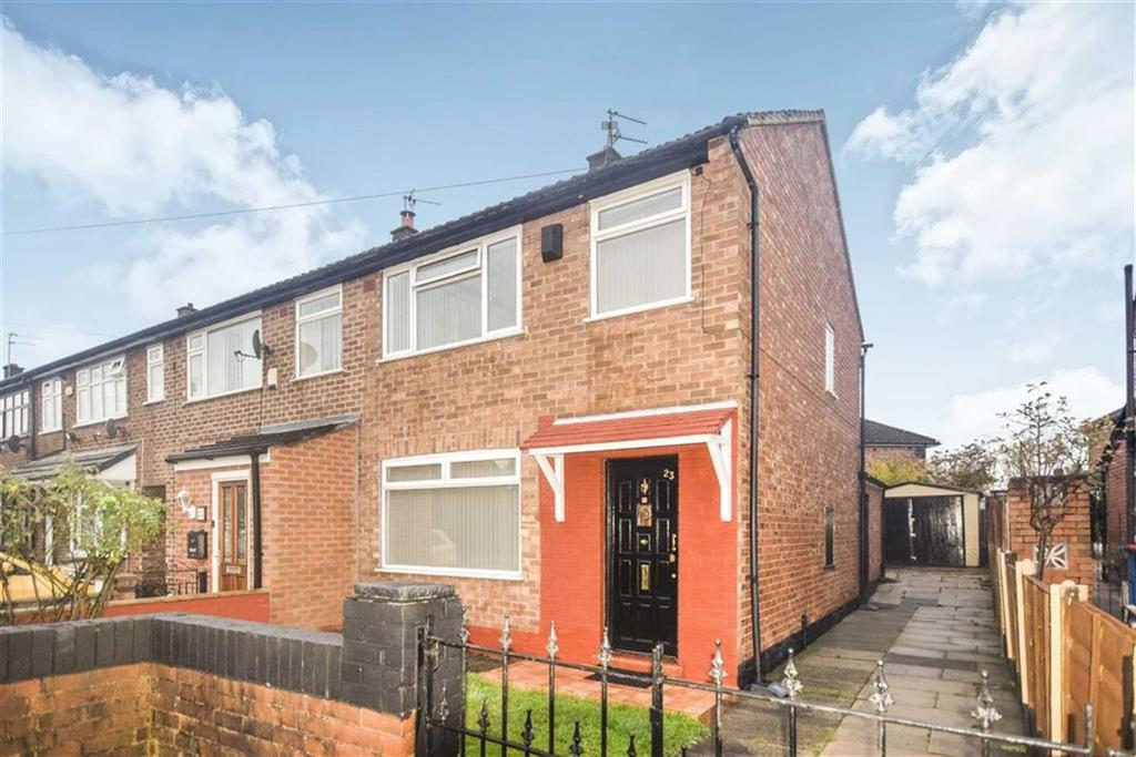 3 Bedrooms Semi Detached House for sale in Calder Drive, Swinton