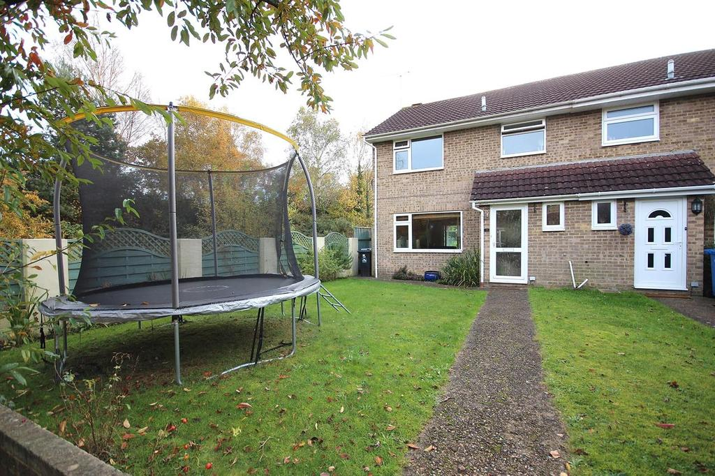 3 Bedrooms End Of Terrace House for sale in Lytchett Drive, Broadstone