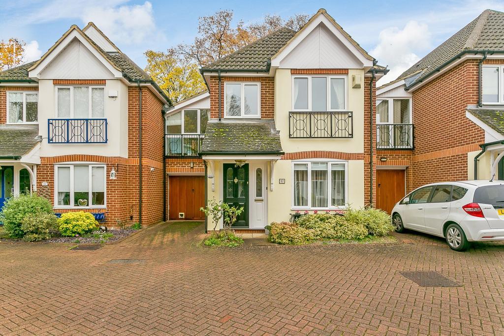 4 Bedrooms House for sale in Weybridge