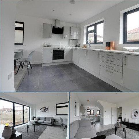 3 bedroom end of terrace house for sale - Dunspring Lane, IG5 0UB
