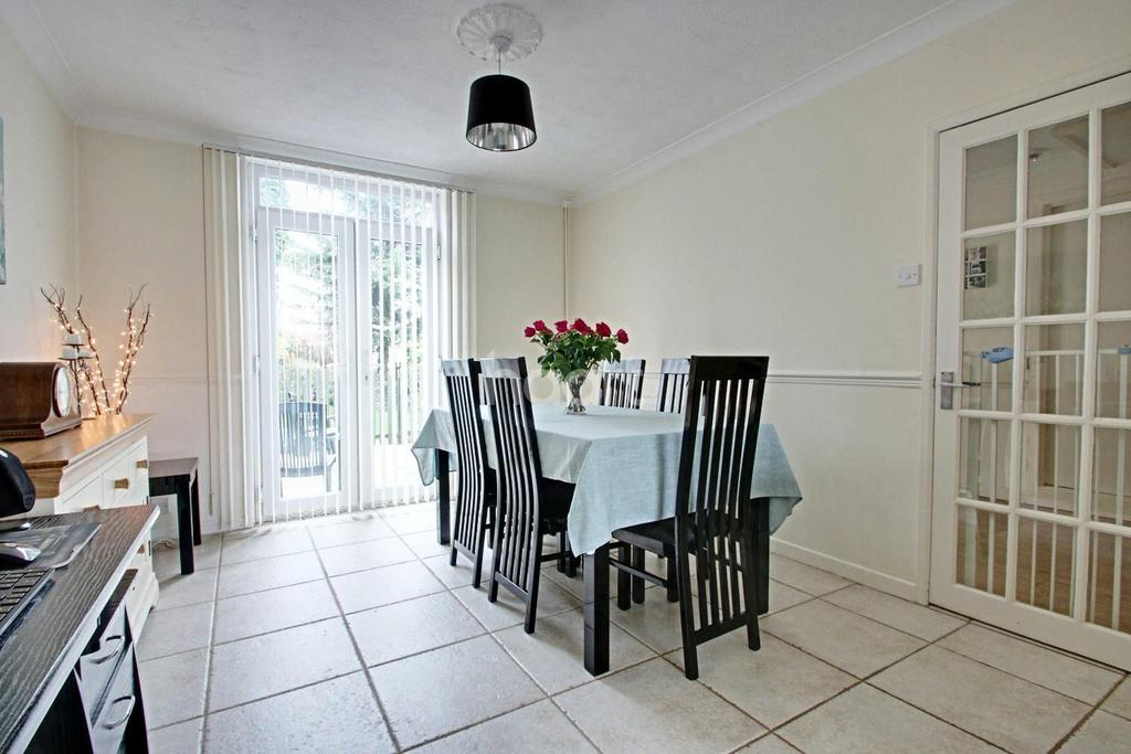 5 Bedrooms Semi Detached House for sale in Rickstones Road, Witham, CM8