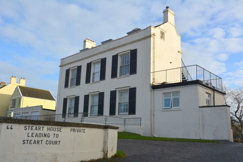 2 Bedrooms Flat for sale in Esplanade, Burnham-On-Sea