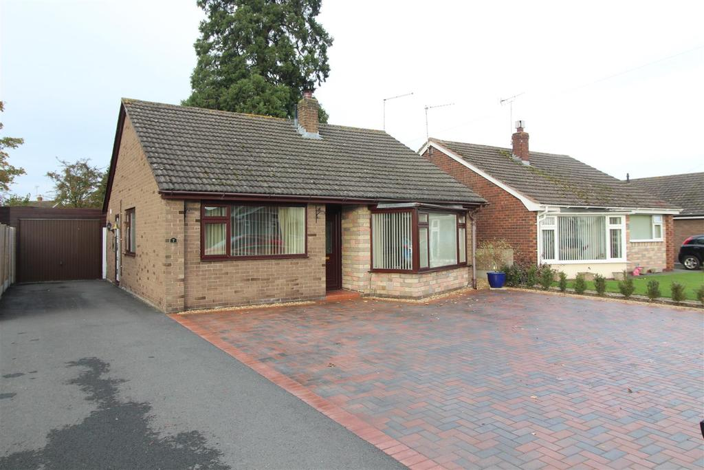 3 Bedrooms Detached Bungalow for sale in Foxleigh Grove, Wem