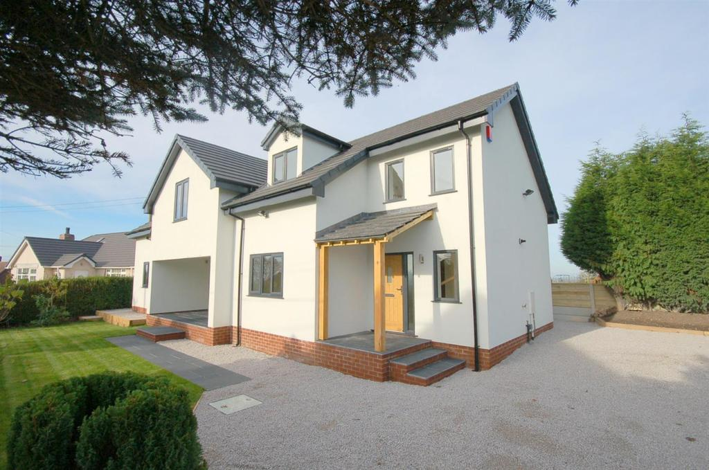 4 Bedrooms Detached House for sale in Springbank, Scholar Green