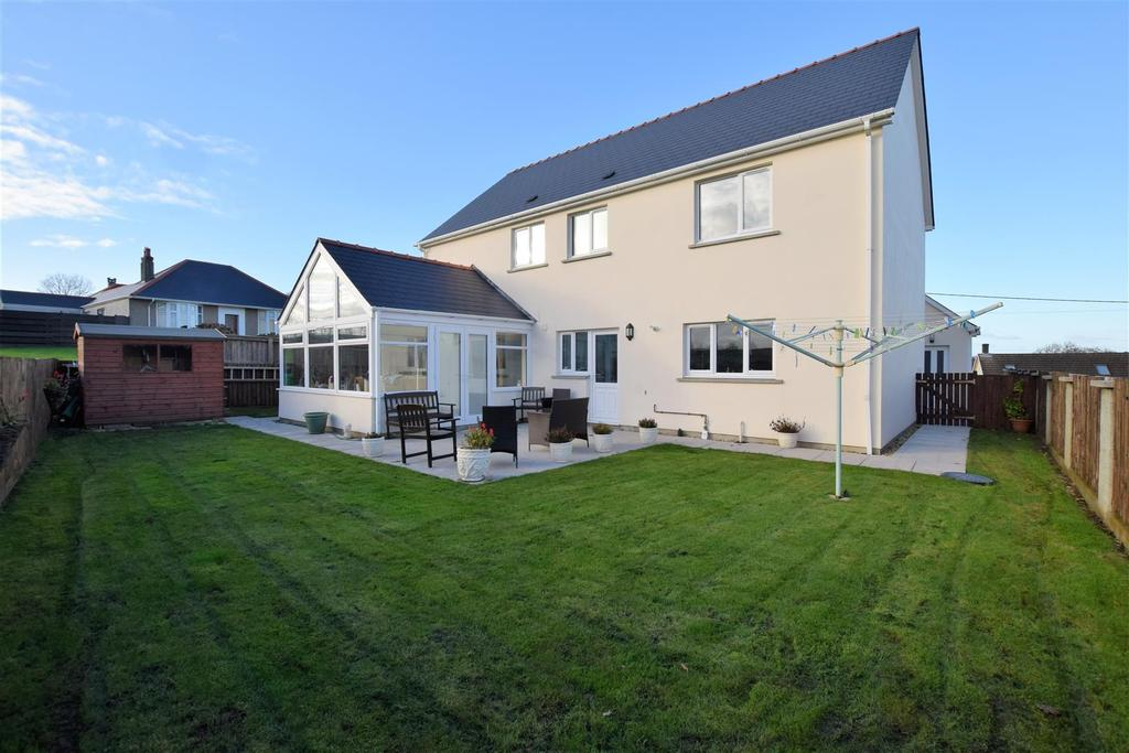 4 Bedrooms Detached House for sale in Hook, Haverfordwest
