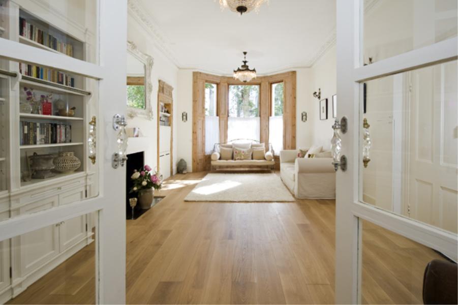 1 Bedroom Flat for sale in Cambridge Gardens, North Kensington W10