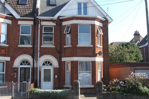 Studio to rent - Bournemouth BH5
