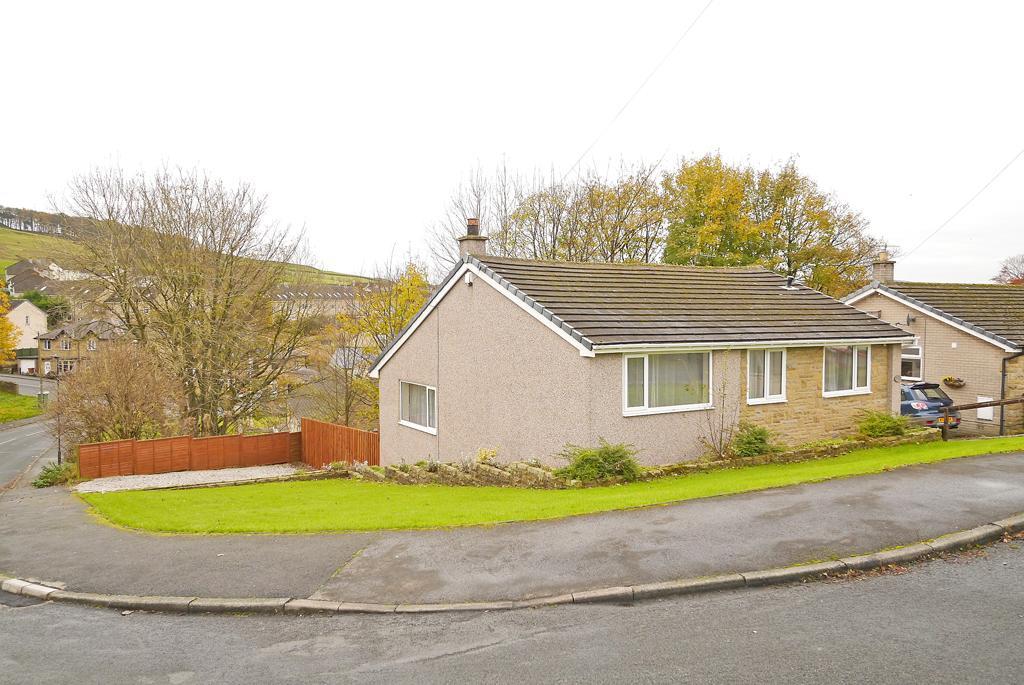 3 Bedrooms Detached House for sale in 1 Moor Crescent, Skipton