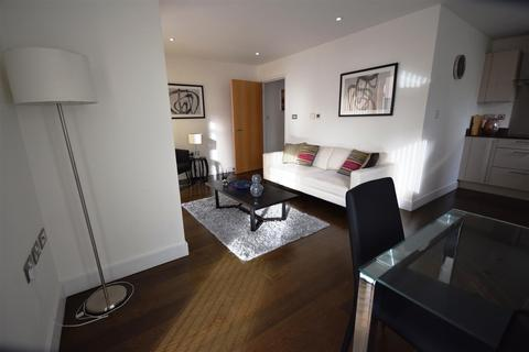 1 bedroom flat to rent - Parkers Row, London