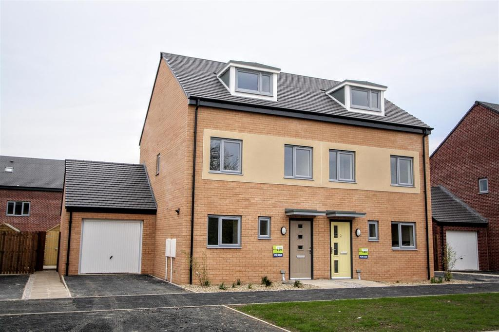 3 Bedrooms Semi Detached House for sale in John Dixon Lane, Darlington