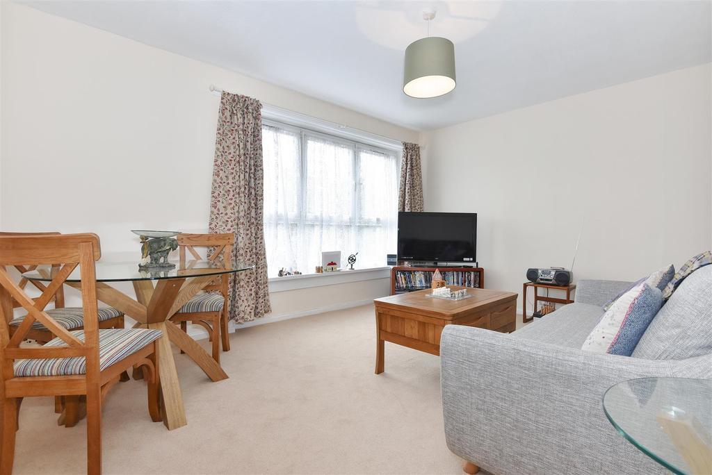 2 Bedrooms Flat for sale in Arabella Drive, Putney