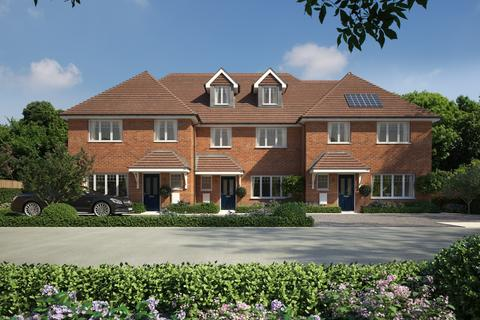 4 bedroom end of terrace house for sale - Woking