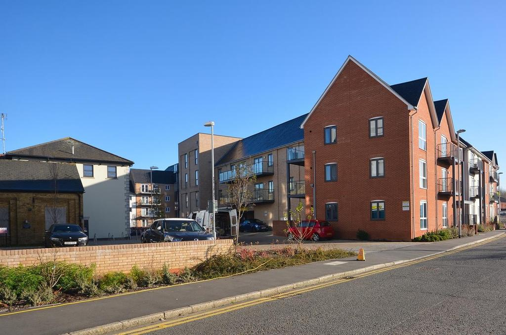 1 Bedroom Apartment Flat for sale in Wharf Road, Chelmsford, Essex, CM2