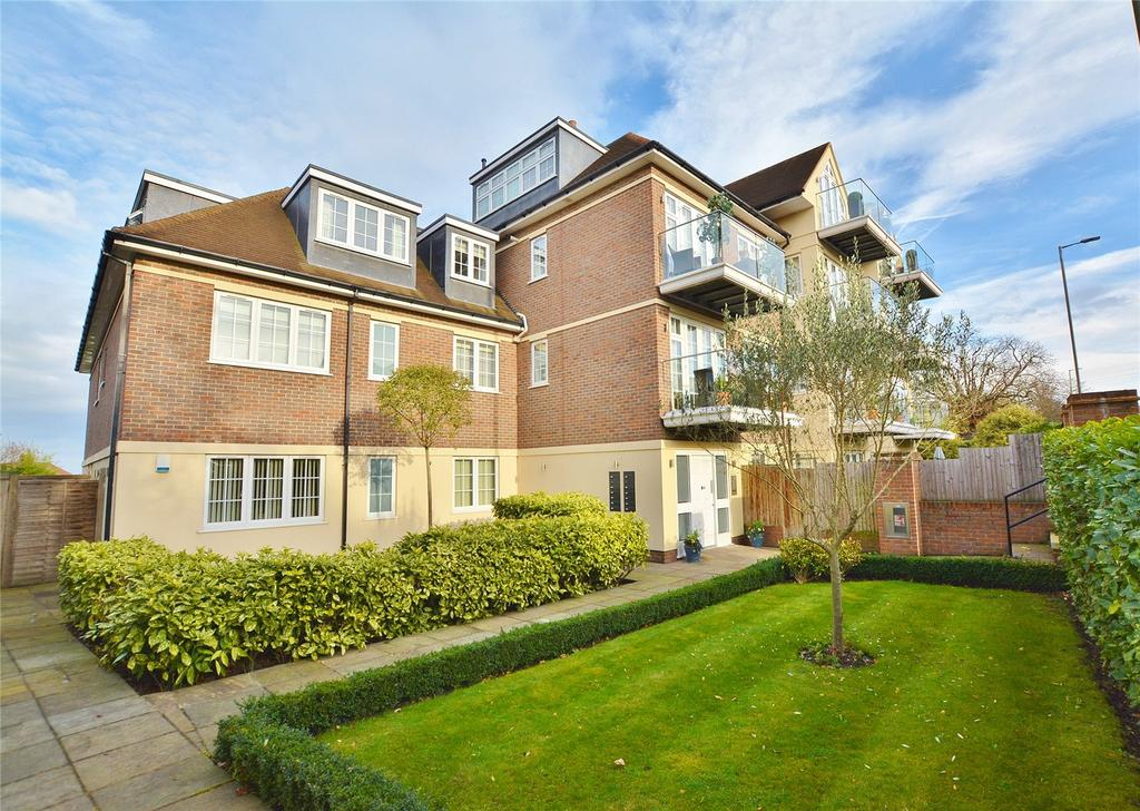 1 Bedroom Apartment Flat for sale in Bushey Gate, Sparrows Herne, Bushey, Hertfordshire, WD23