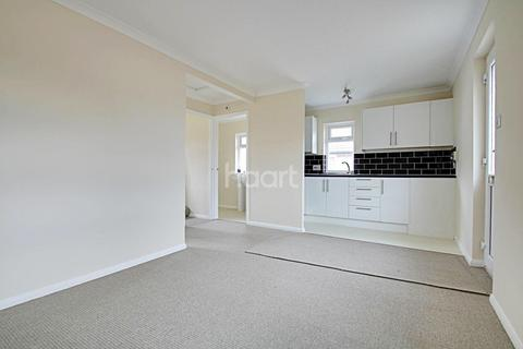 2 bedroom bungalow for sale - Minster