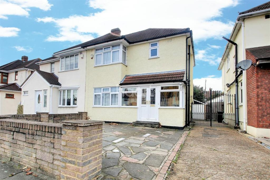 3 Bedrooms Semi Detached House for sale in South End Road