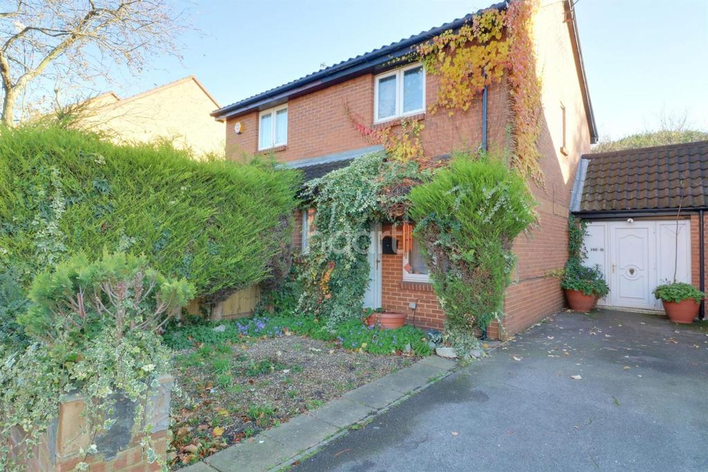 2 Bedrooms Semi Detached House for sale in Hayes Town