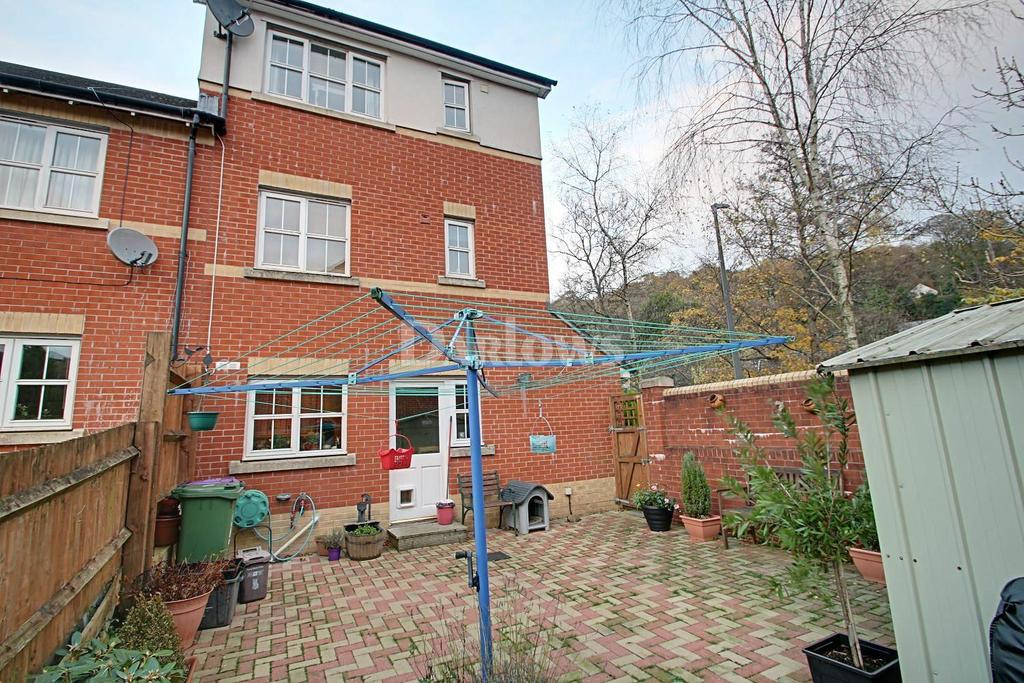 4 Bedrooms End Of Terrace House for sale in Clos Afon Llwyd, Pontypool