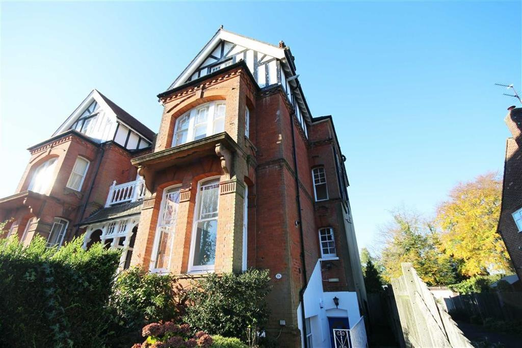 3 Bedrooms Flat for sale in Blenheim Road, High Barnet, Herts
