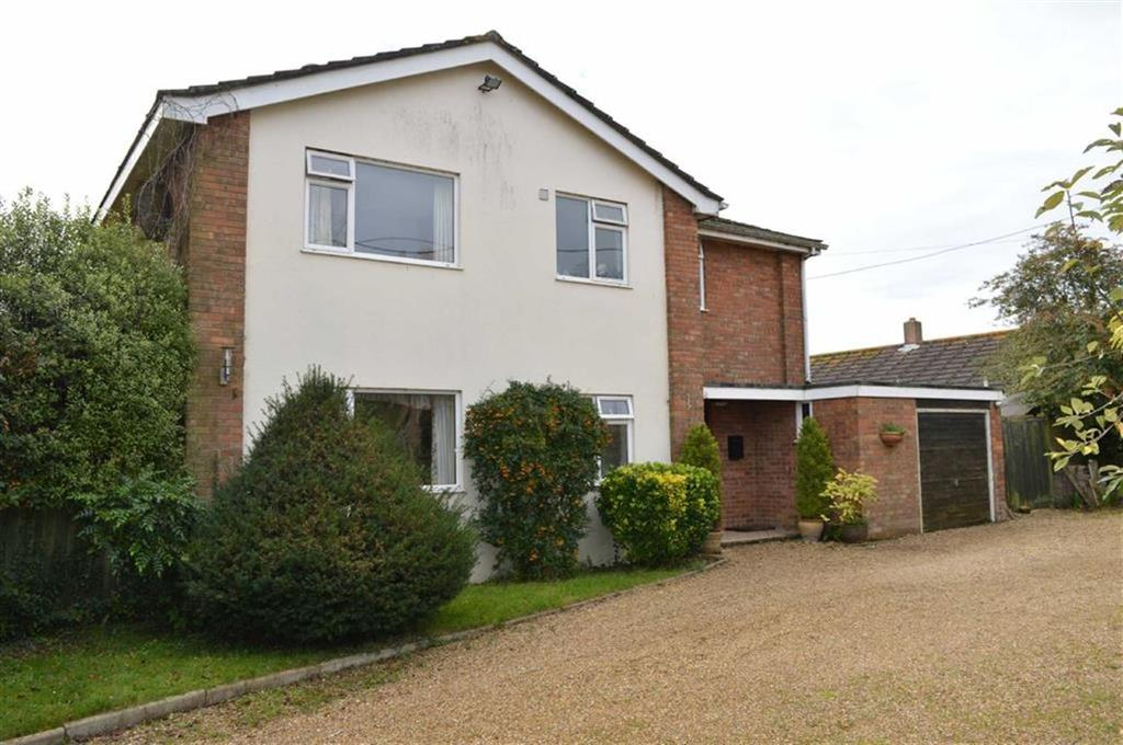 3 Bedrooms Detached House for sale in Uppington, Wimborne, Dorset