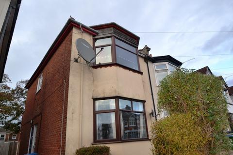 2 bedroom flat to rent - Polygon