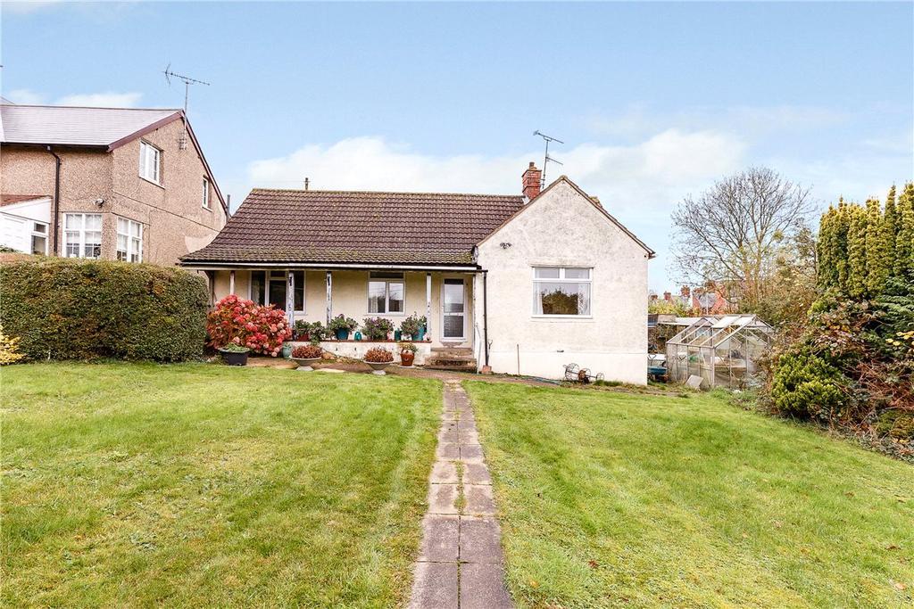 3 Bedrooms Bungalow for sale in Pipers Piece, Herd Street, Marlborough, Wiltshire, SN8