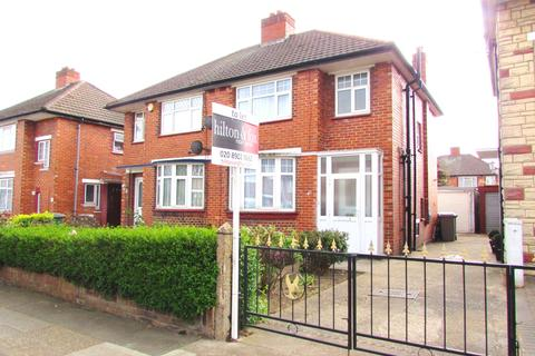 3 bedroom semi-detached house to rent - Longley Avenue, Wembley, Middlesex HA0