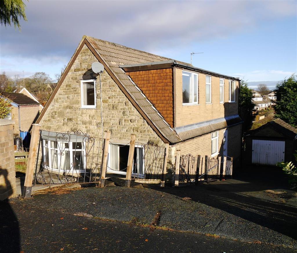 3 Bedrooms Detached House for sale in Markfield Close, Low Moor, Bradford, BD12 0UW