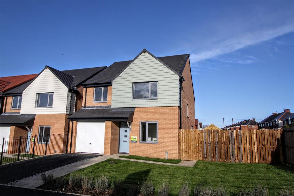 4 Bedrooms Detached House for sale in John Dixon Lane, Darlington