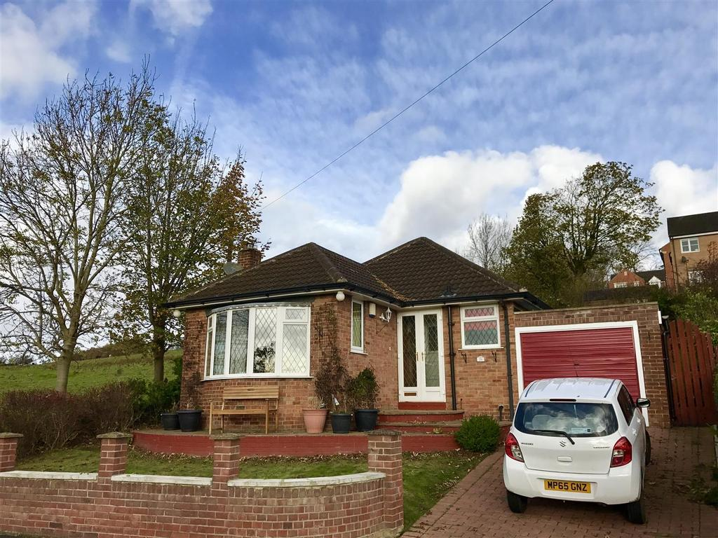 2 Bedrooms Detached Bungalow for sale in Moorside Rise, Cleckheaton