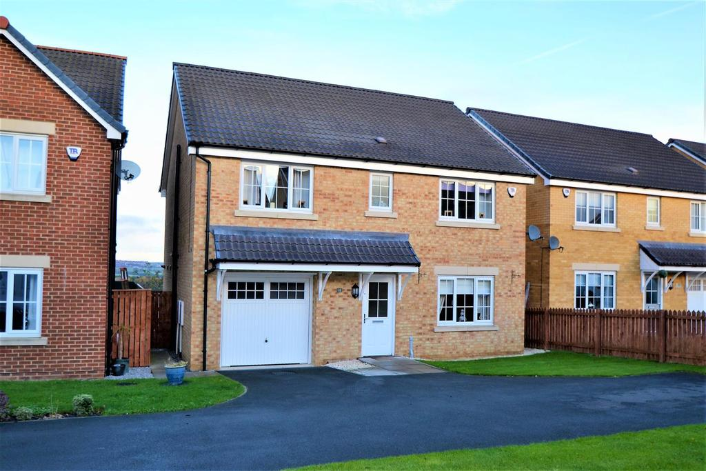 5 Bedrooms Detached House for sale in Burton Constable Close, Spennymoor
