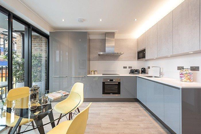 3 Bedrooms Flat for sale in Honeywood Heights, Honeywood Road, London, NW10