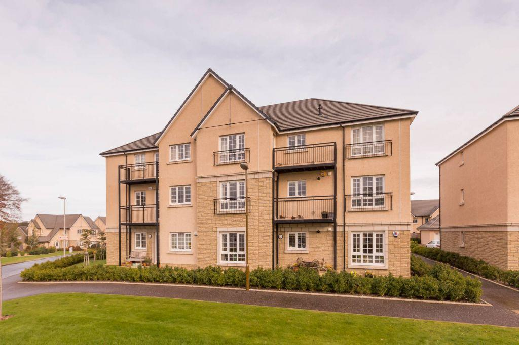 3 Bedrooms Ground Flat for sale in Flat 1, 1, High Waterfield, Edinburgh, EH10 6TQ