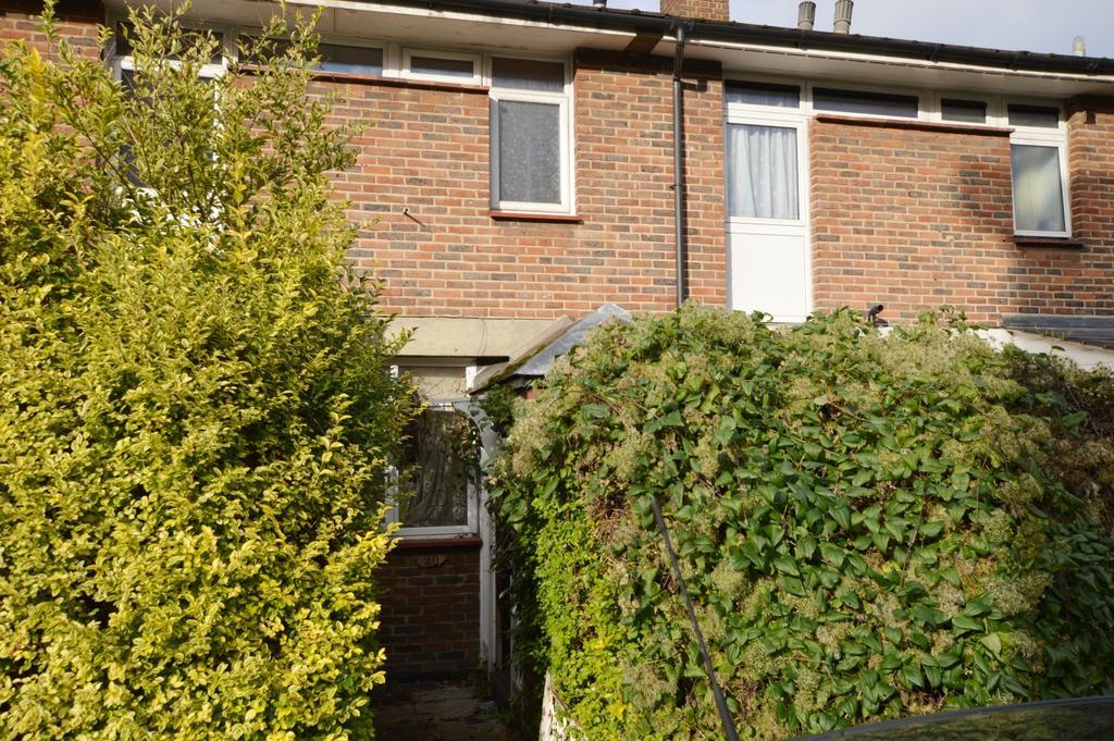 3 Bedrooms Terraced House for sale in Gibbon Road Peckham SE15