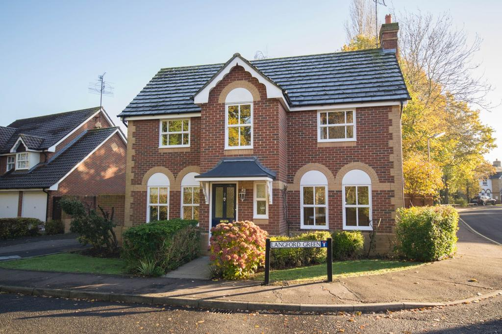 4 Bedrooms Detached House for sale in Langford Green, Hutton, Brentwood, Essex, CM13