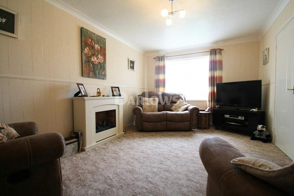 3 Bedrooms End Of Terrace House for sale in Pen y Parc, Ebbw vale, Blaenau Gwent