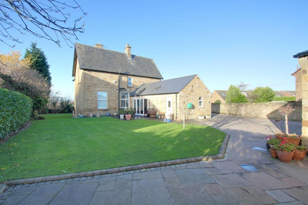 4 Bedrooms Detached House for sale in Duke Street, Mosborough