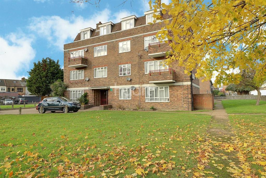 3 Bedrooms Flat for sale in Dagenham