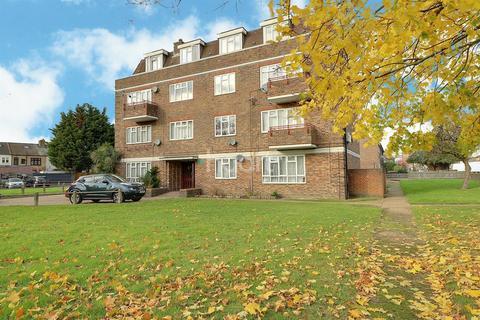 3 bedroom flat for sale - Dagenham