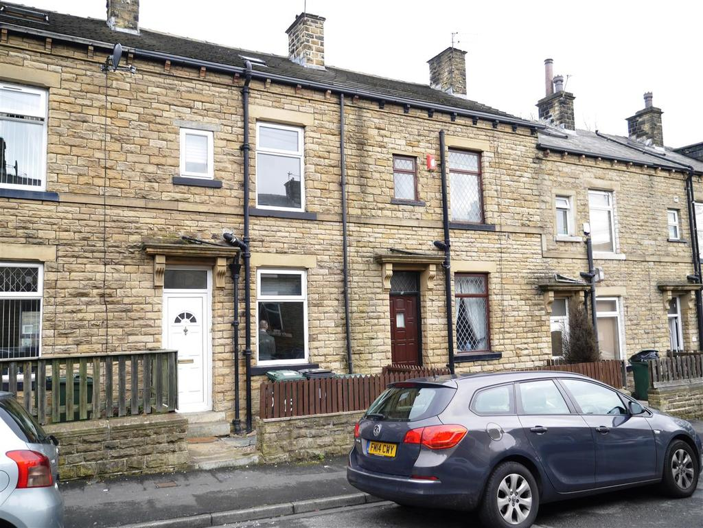 3 Bedrooms Terraced House for sale in Fagley Place, Bradford