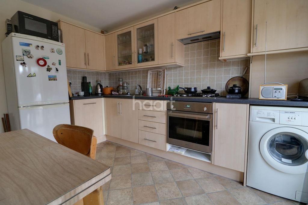 1 Bedroom Flat for sale in Ferndale Avenue, Walthamstow