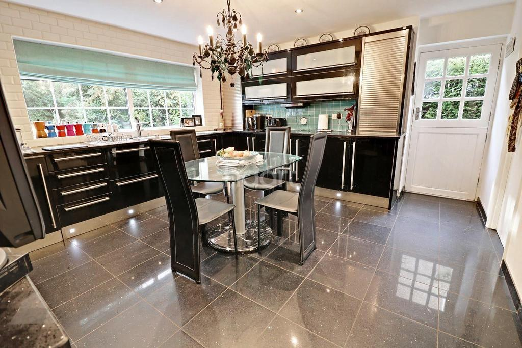 4 Bedrooms Detached House for sale in Grosvenor Avenue, Lincoln