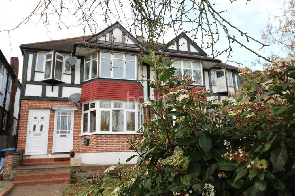 2 Bedrooms Maisonette Flat for sale in London