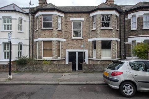 2 bedroom flat to rent - Flat 3, 7-9 Candahar Road