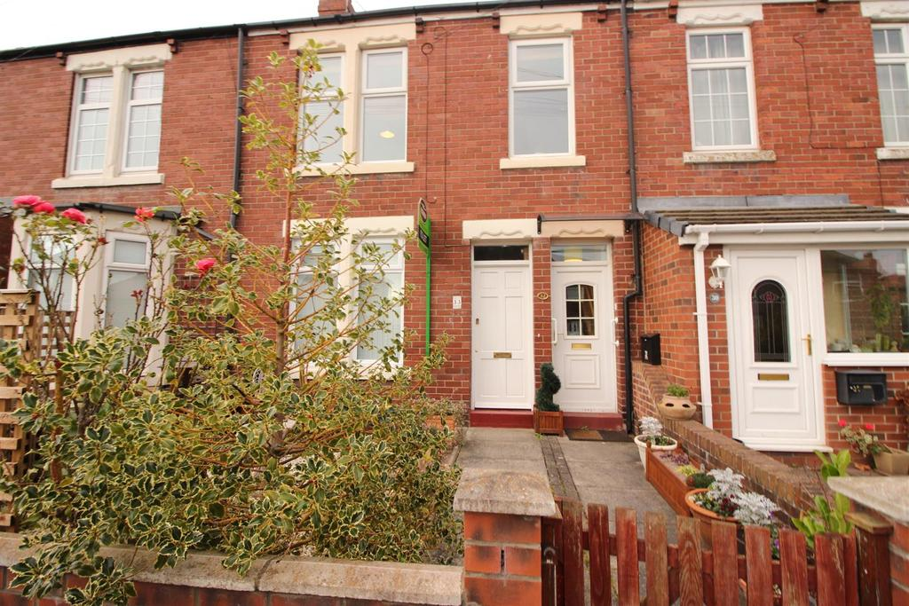 2 Bedrooms Flat for sale in Park Terrace, Killingworth, Newcastle Upon Tyne