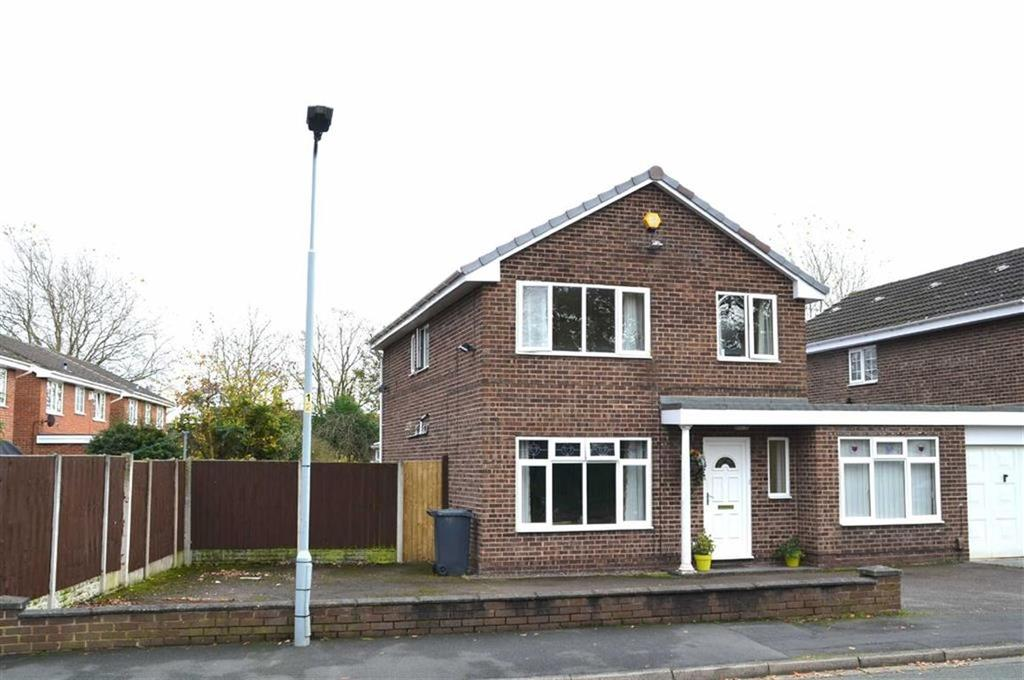 4 Bedrooms Detached House for sale in Berry Drive, Great Sutton, CH66