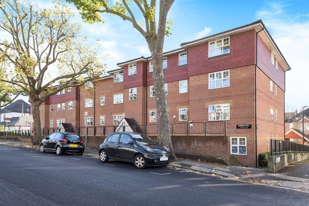 2 Bedrooms Flat for sale in Woodside Lane, Woodside Park