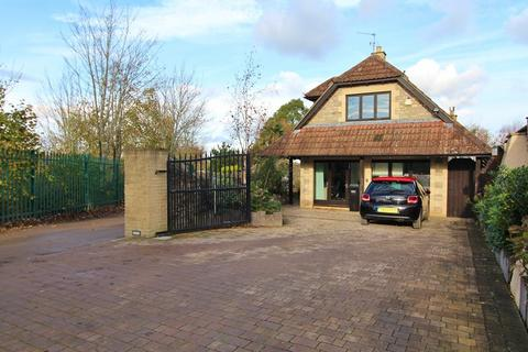 5 bedroom detached house to rent - Norman Road, Saltford, Bristol